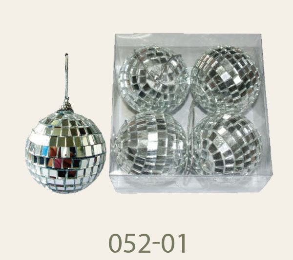 052-01 Dimension 50mm.<br/>Disco balls. Also available in 30mm., 60 mm.